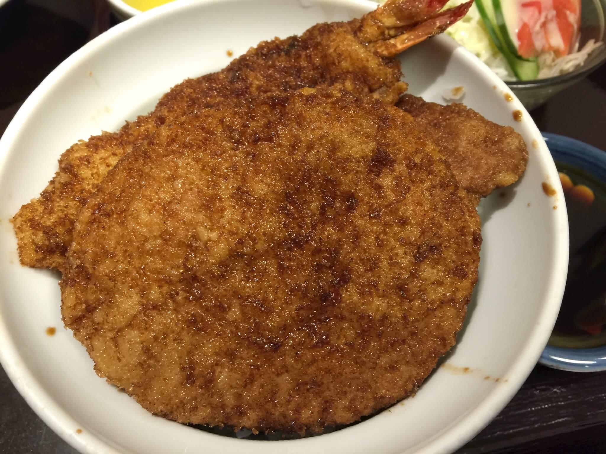 福井ヨーロッパ軒ソースカツ丼はダイナミックなボリューム