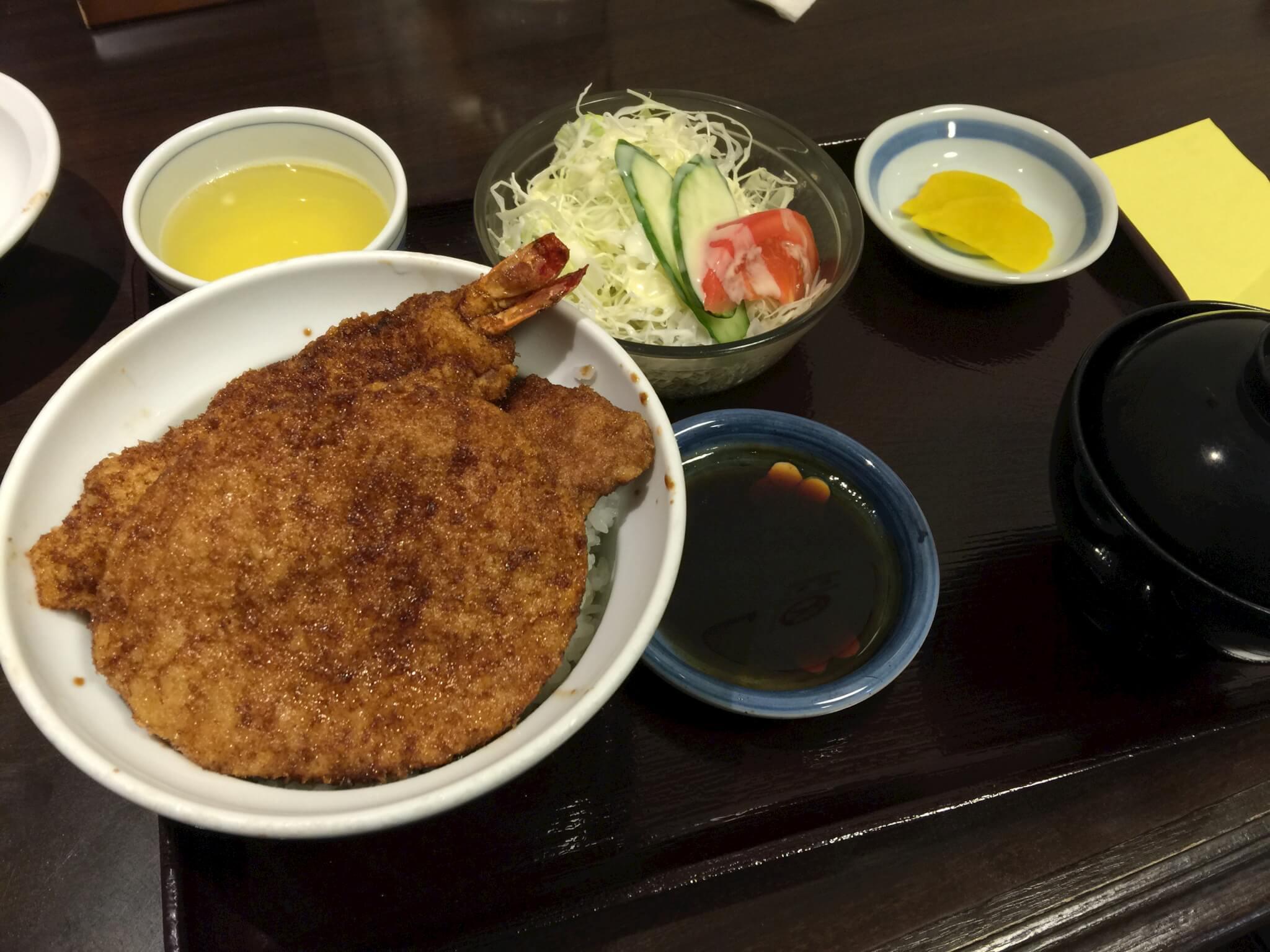 福井ヨーロッパ軒ソースカツ丼のセット