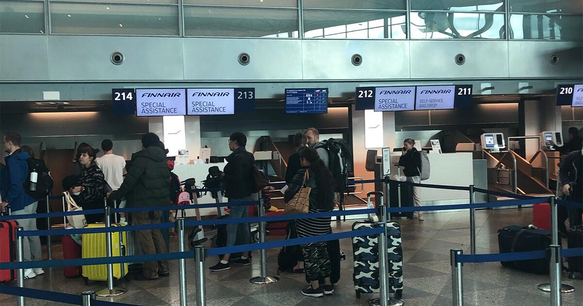 ヘルシンキ国際空港内のFINN AIRの窓口