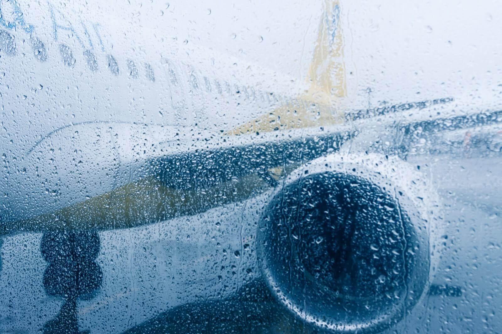 飛行機遅延時の対応に学ぶ、仕事の危機管理をする上で大切なこと