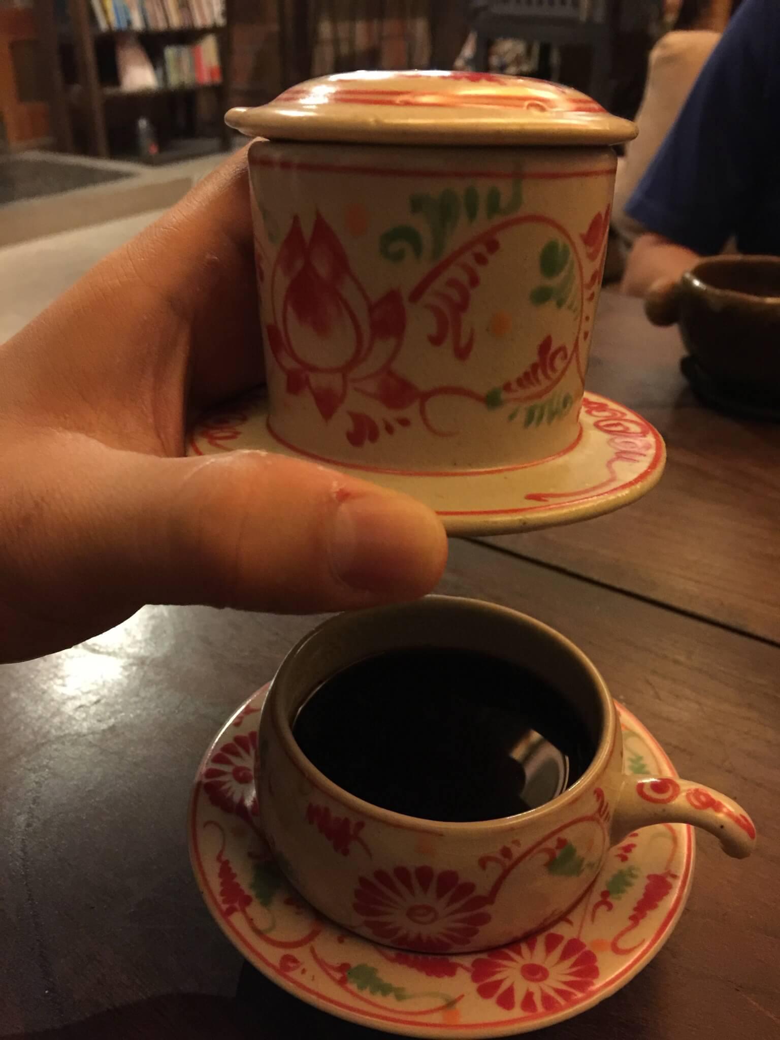 ベトナムコーヒーをゲストハウス・ナマケモノ(namecameono)で飲む