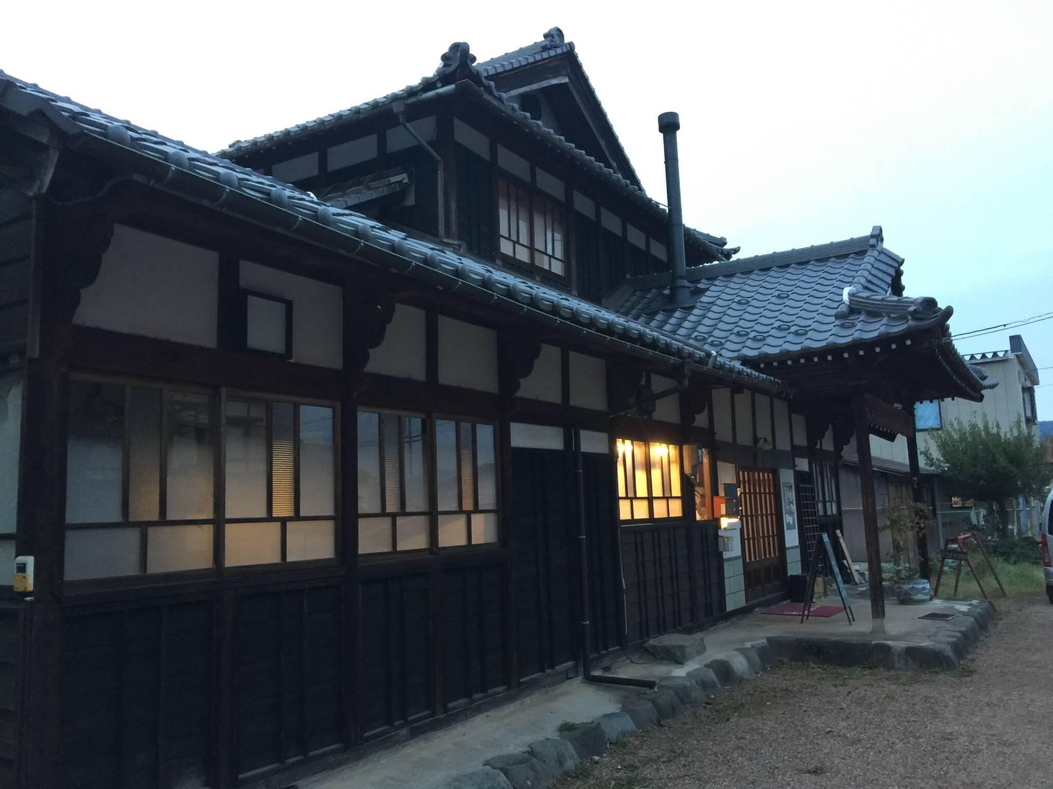 ゲストハウス・ナマケモノ(namecameono)の外観