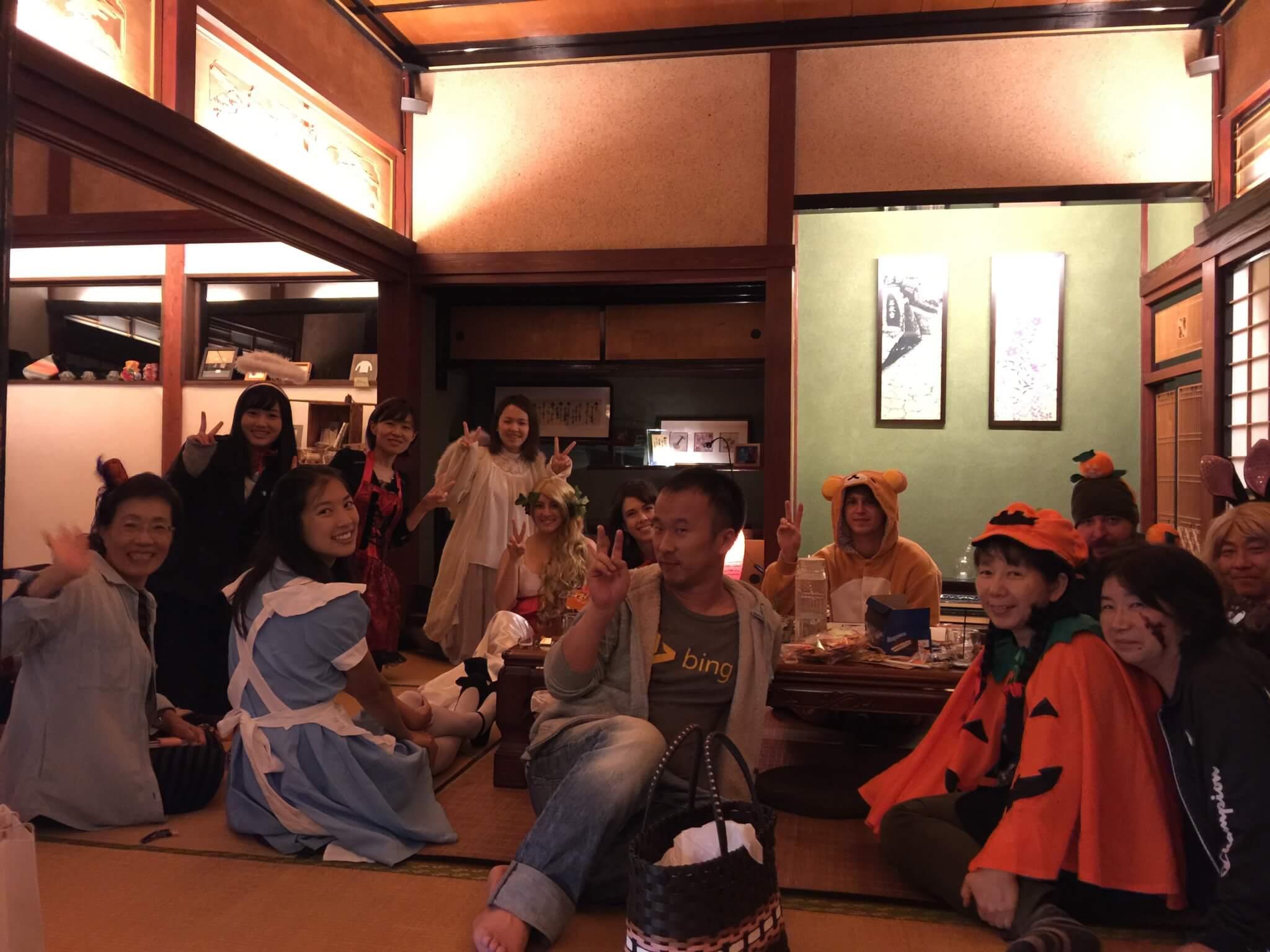 ゲストハウス・ナマケモノ(namecameono)で開催されているイングリッシュ(英語)カフェ