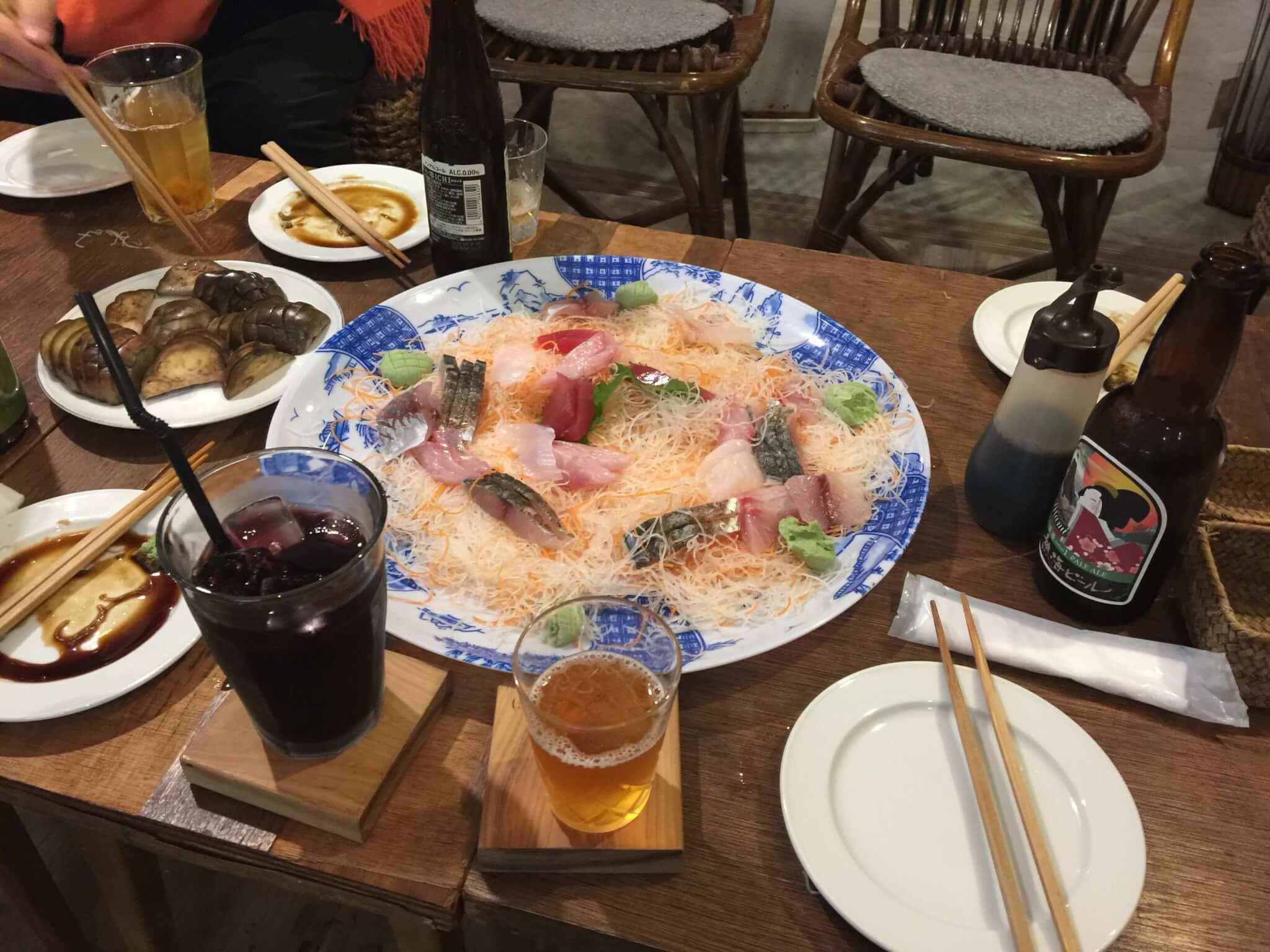 熱海ゲストハウスMARUYAさんで行われた刺身パーティ