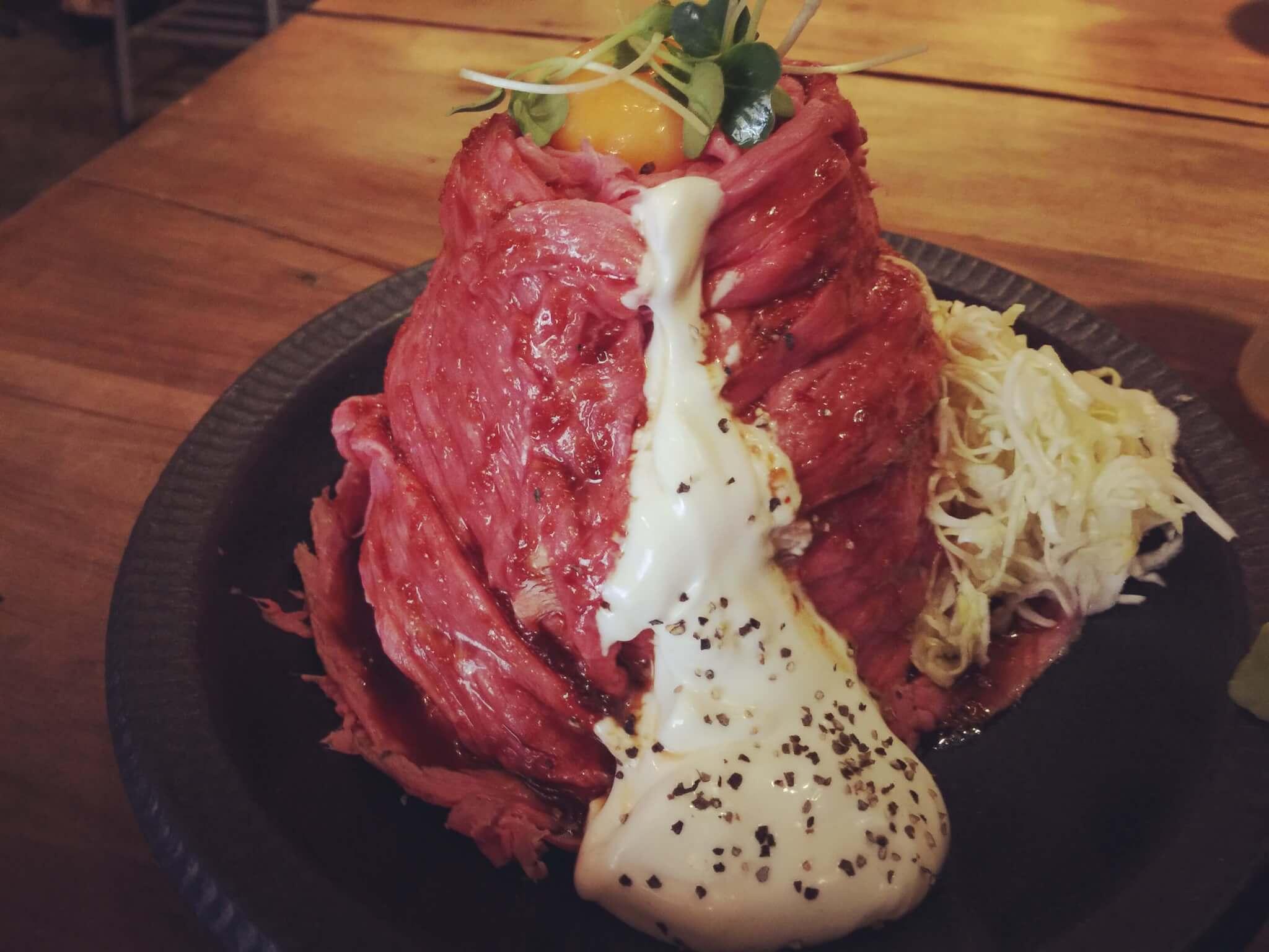鹿児島zingaroのローストビーフ丼