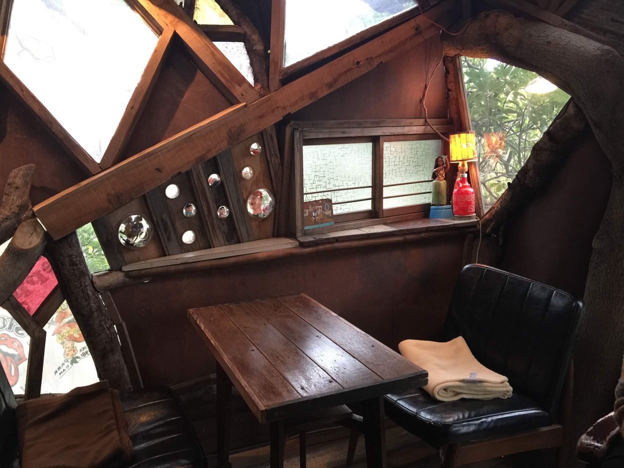 なんじゃもんじゃカフェの内装