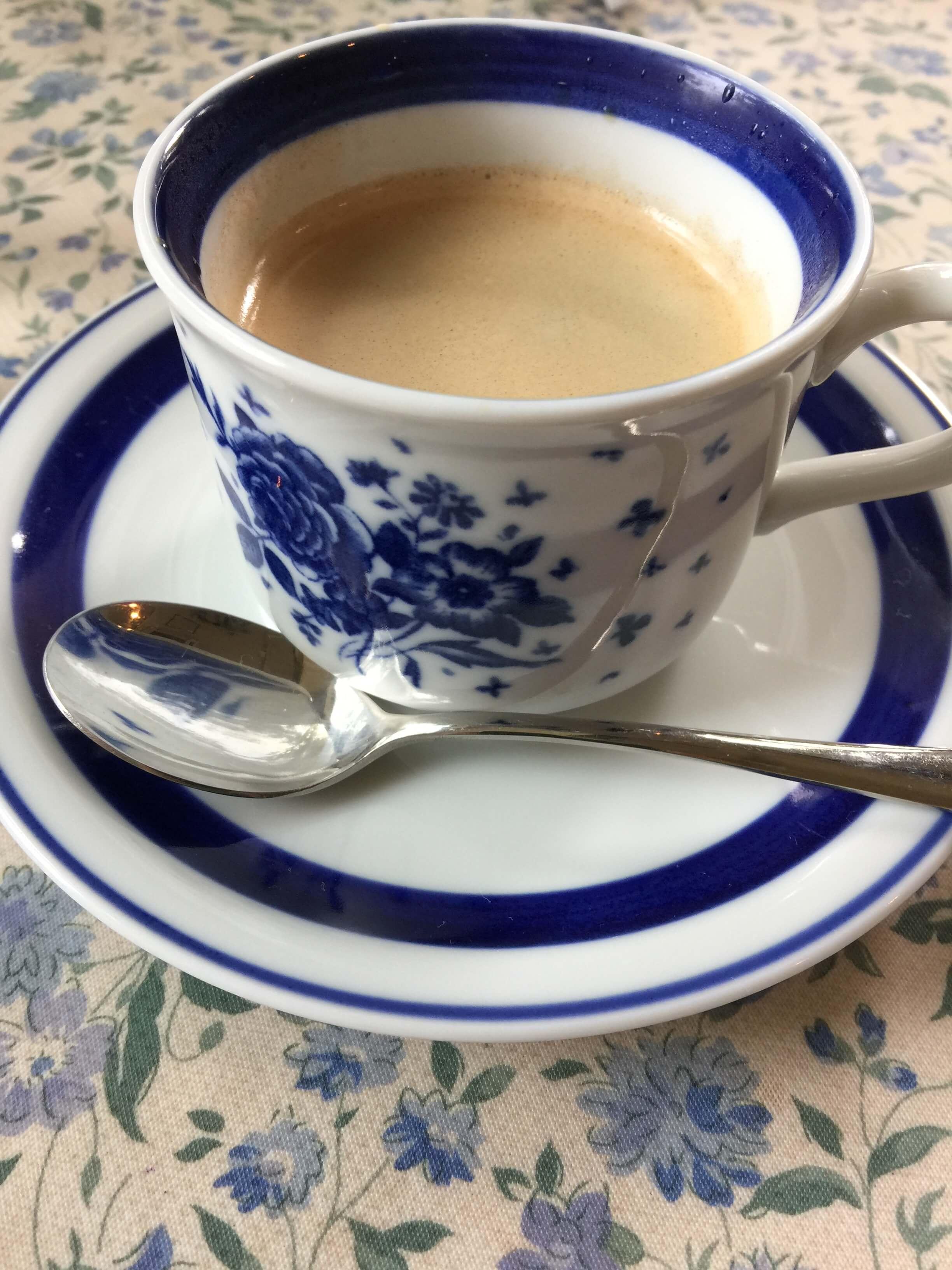 大月駅そばのカフェで飲んだコーヒー