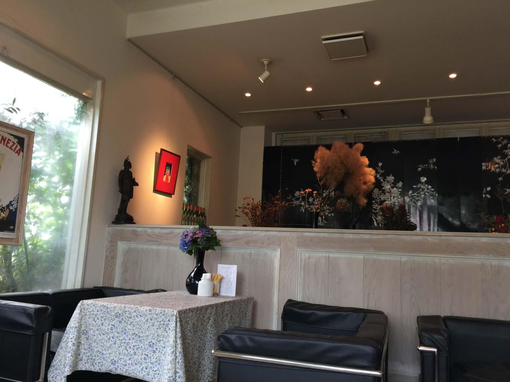 大月駅そばのカフェ