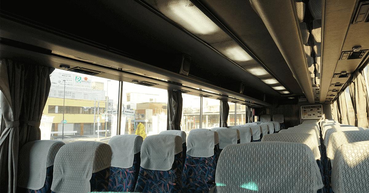 紀伊田辺から熊野古道へ移動するバスの車内